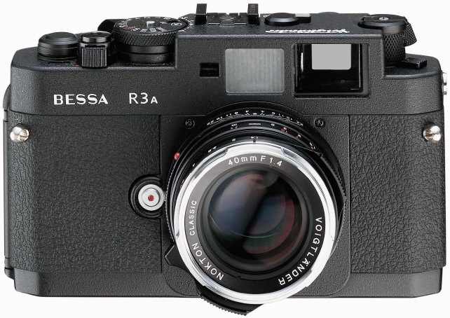 Cosina made a market niche for itself with its Voigtlander Bessa cameras when it decided to chop off part of the camera's top deck near the rewind post. It's unattractive, and there was no reason to do this.