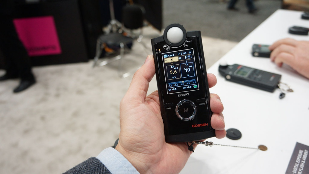 Gossen's newest meter has an all-digital display that looks like a smartphone.