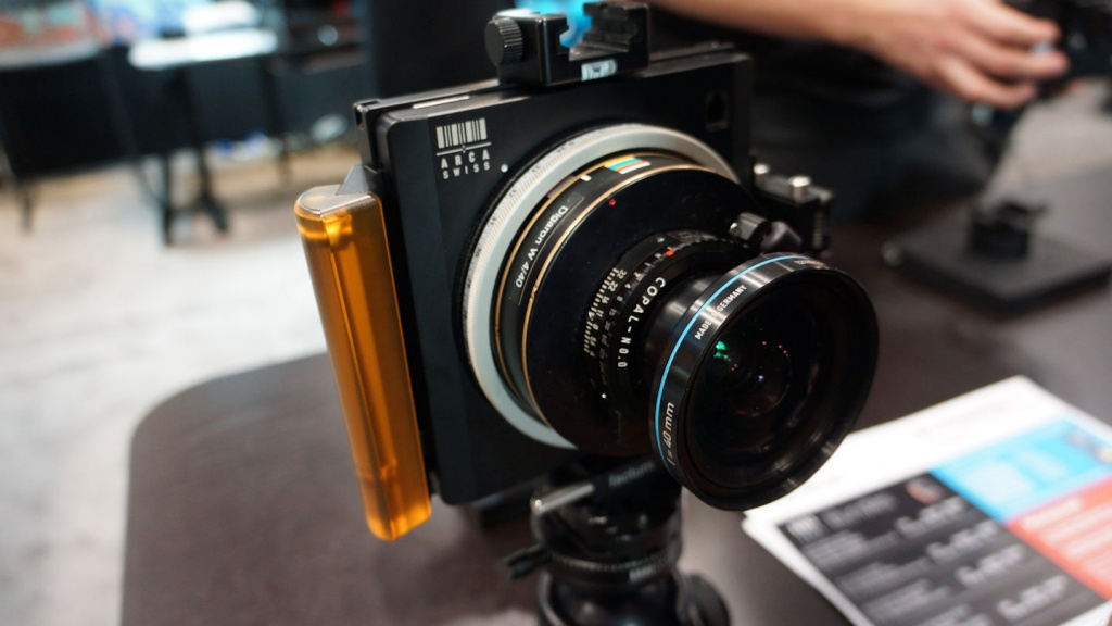 An Arca Swiss 4x5 camera with a Rodenstock wideangle lens.