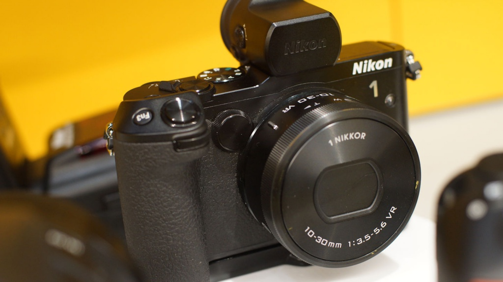 Nikon is hoping to attract advanced amateurs with this Nikon 1 model.