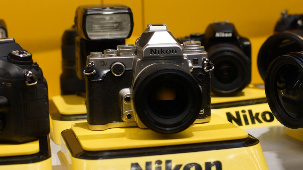 The Nikon Df physically resembles its popular FM film cameras.