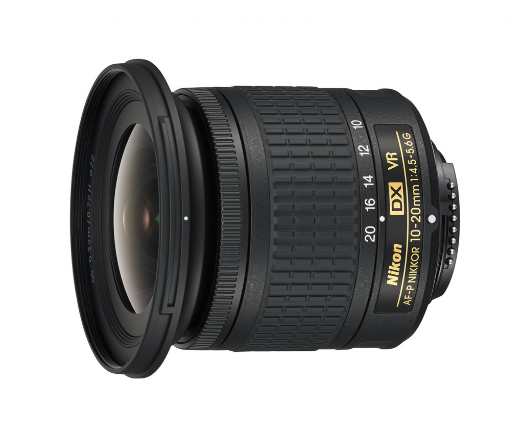 The Nikkor 10-20mm focuses internally.