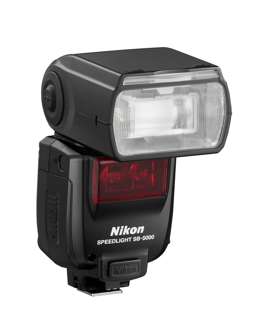 The SB-5000 Speedlight can control up to 18 other Speedlights.