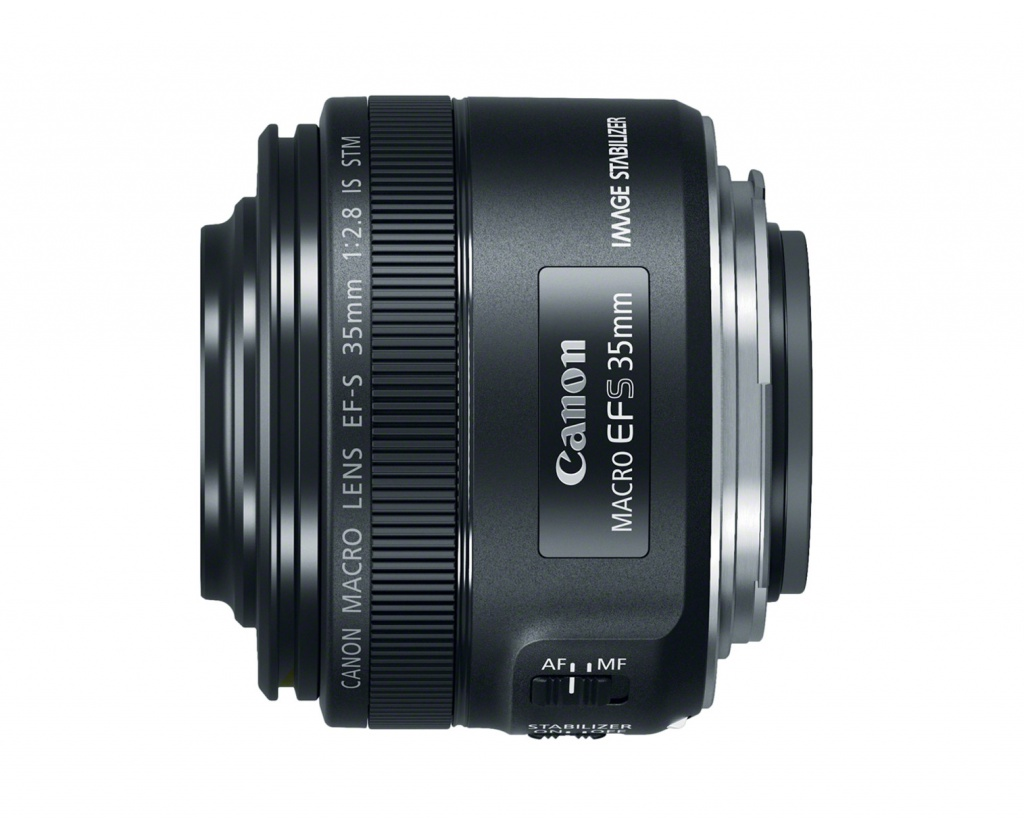 The Canon EF-S 35mm f/2.8 Macro IS STM has full-time autofocus and manual focus.