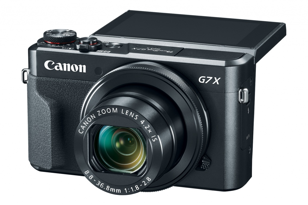 The tilting 3.0-inch LCD monitor of the Canon PowerShot G7 X Mark II can help  when shooting at odd angles.