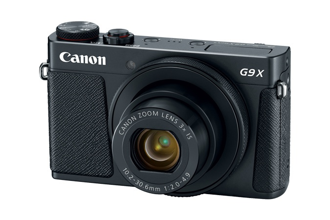 The Canon PowerShot G9 X Mark II is also available in black.