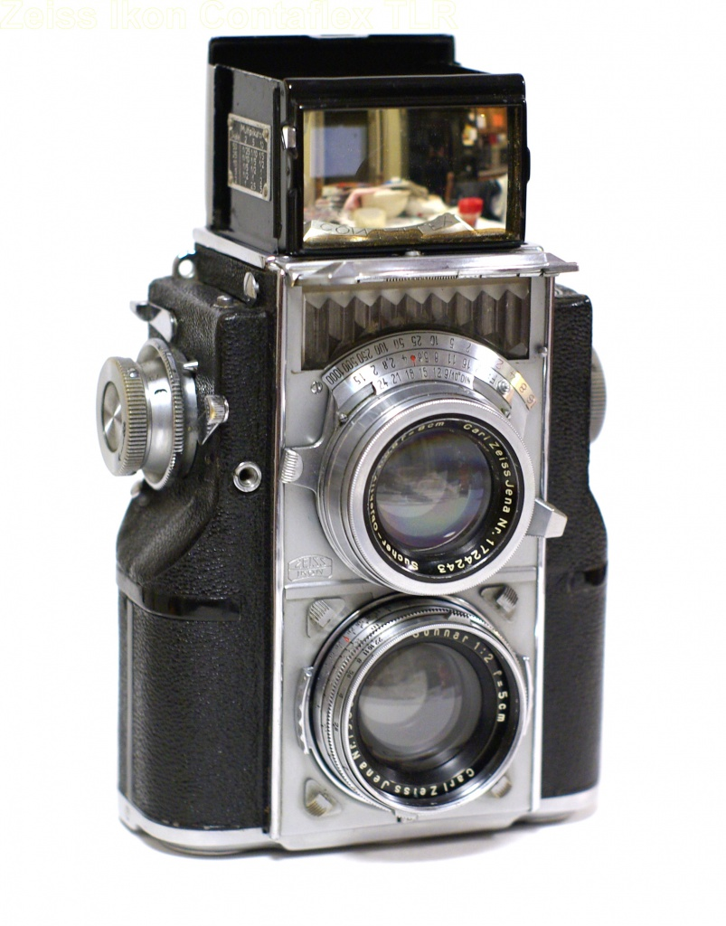 The Zeiss Ikon Contaflex (1936) was the first camera to offer an on-board meter.