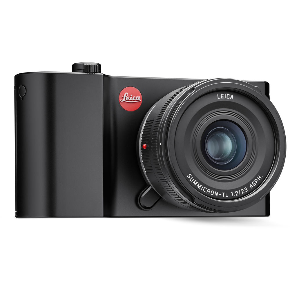 The Leica TL2 has 32GB of built-in memory, which is good for about 1,000 photos.