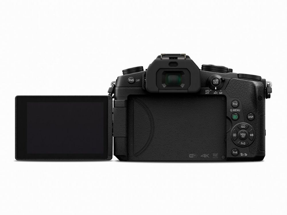 The 3.0-inch LCD of the Panasonic Lumix DMC-G85 fully articulates.