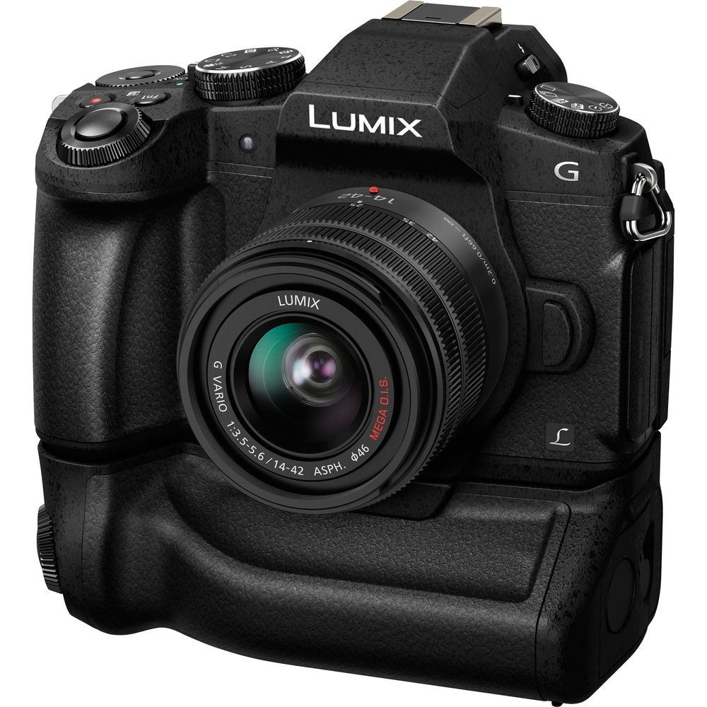 The battery grips doubles the shooting capacity of the Panasonic Lumix DMC-G85.