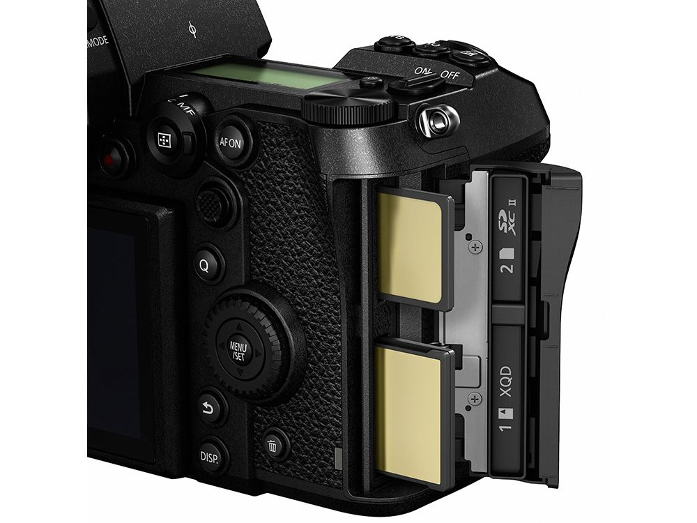 The Panasonic Lumix S1/S1R can hold two memory cards: QXD and SD. CFexpress will also be supported.