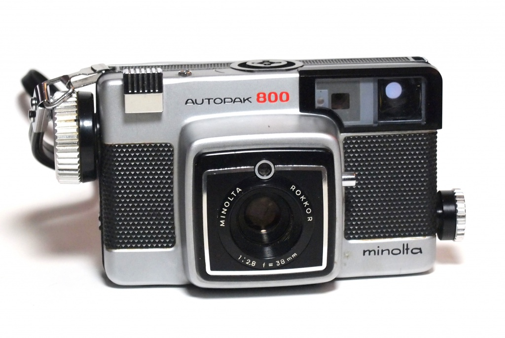 Kodak's Instamatic 126 film gave rise to a lot of interesting cameras, including the Minolta Autopak 800, which had a spring-tensioned motordrive and rangefinder focusing dial. Unfortunately, it also had that huge square nose. Why, Minolta, why?