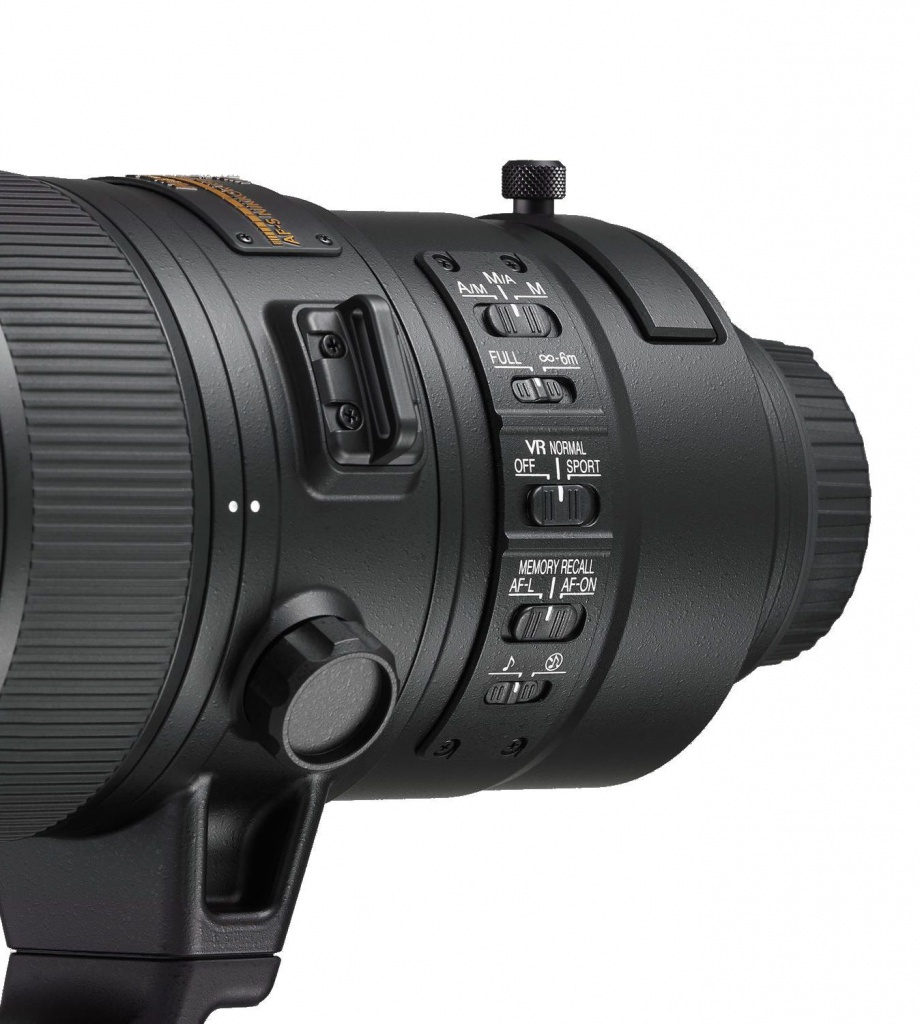 The lens controls of the AF-S Nikkor 180-400mm f/4 E TC1.4 FL ED VR.