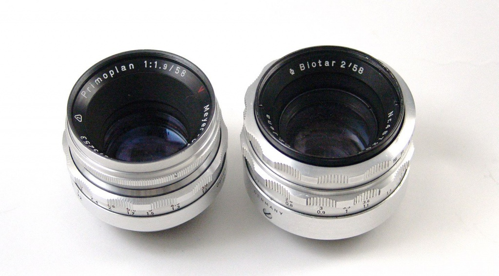 The Meyer-Optik Primoplan, left, is slightly smaller than the Car Zeiss Jena Biotar. Both are 58mm focal lengths.