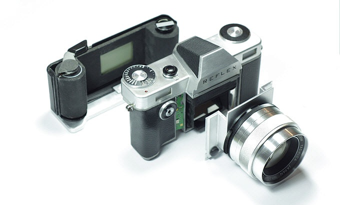 The Reflex is being designed as a modular camera with interchangeable lens mounts.
