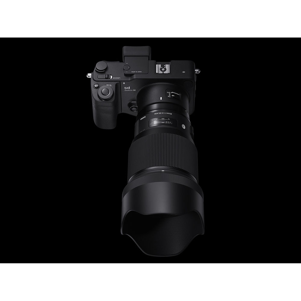 The Sigma 85mm f/1.4 DG HSM will be available in three mounts: Canon EOS, Nikon F and Sigma.