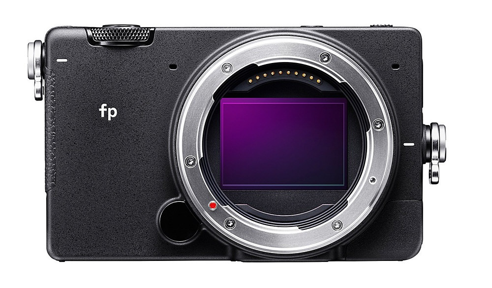 The Sigma fp uses a full-frame CMOS sensor that lacks a low-pass filter.