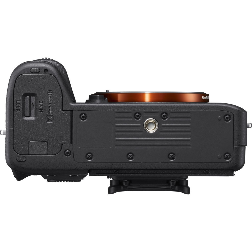 The baseplate and tripod socket for the Sony A7R III.