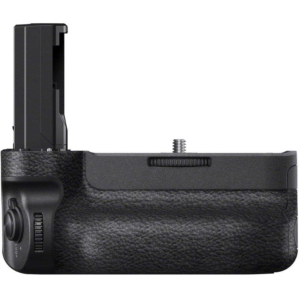 The Sony A9 has a new battery grip. It isn't compatible with Sony's A7 cameras.