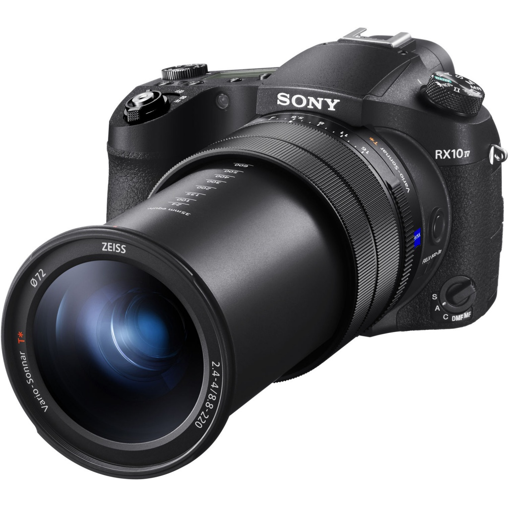 The Sony RX 10 IV uses a Zeiss Vario-Sonnar 24-600mm zoom lens.