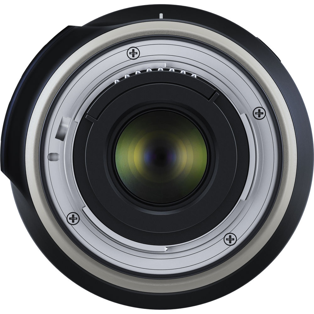 The Tamron f/3.5-6.3 18-400mm Di II VC HLD uses an electromagnetic aperture in both the Nikon and Canon versions.